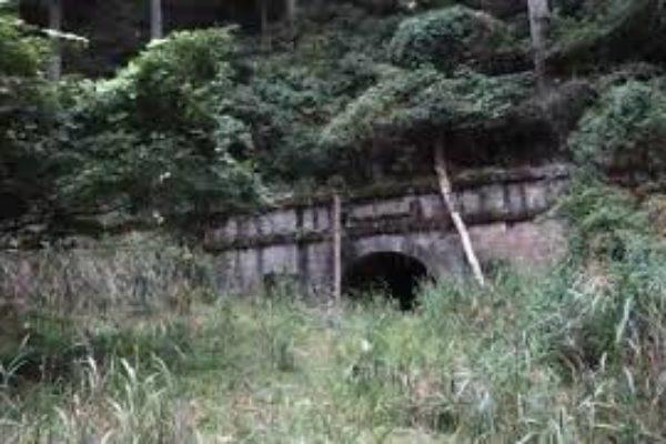 30秒予告です。国道8号の明治の旧道 廃道廃トンネル 春日野隧道 近日公開(なんも編集できてないけど)!